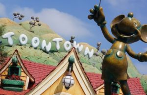 NEWS: California Governor Discusses Reopening Plans for Disneyland