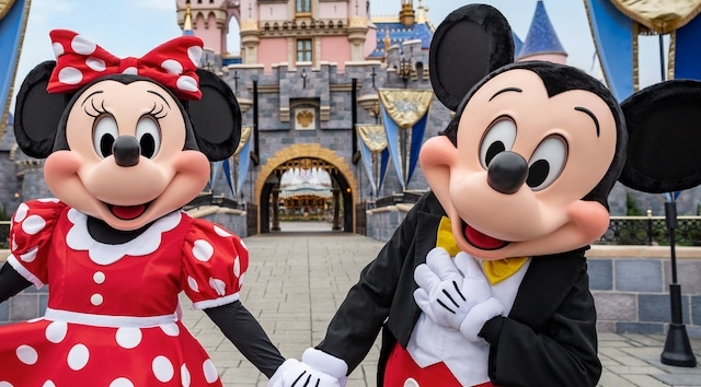 Disneyland Extends Reservation Cancellations