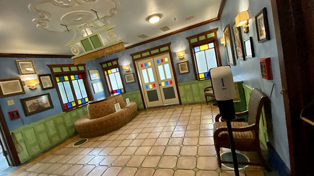Review of Skipper Canteen at Magic Kingdom - KennythePirate.com