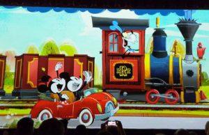 Mickey and Minnie's Runaway Railway Construction in Disneyland has been Delayed!