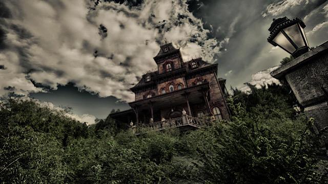 Phantom Manor Disneyland Around the world