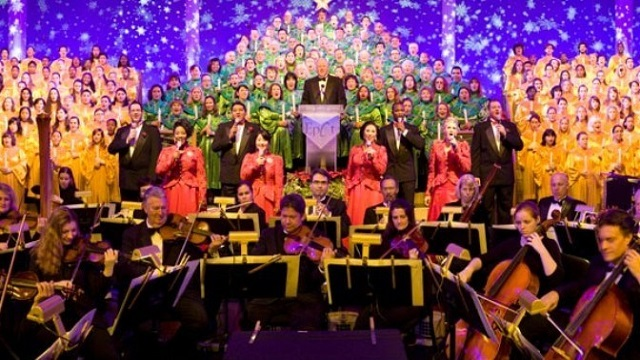 The History of the Candlelight Processional at the Disney Parks