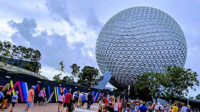 Disney World is bringing back package pickup for a limited time!