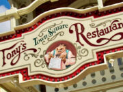 Review: I love dining at Tony's Town Square even though it has mediocre food