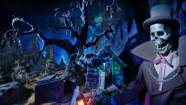 Enter Phantom Manor at Disneyland Paris