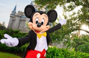 Yes, you should definitely take a last minute trip to Disney World! Here's why.