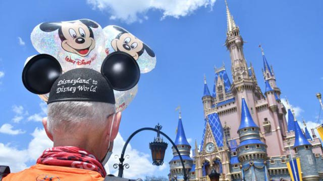 Runner Receives a Magical Welcome from Disney World after an Amazing Run