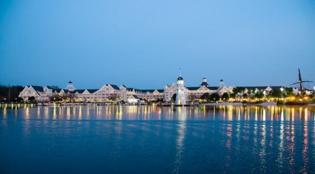 Review: Yacht Club is the Stuffiest Resort at Disney