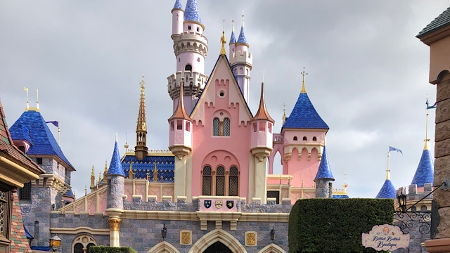 Breaking News: Changes to Disneyland's mask and physical distancing policies