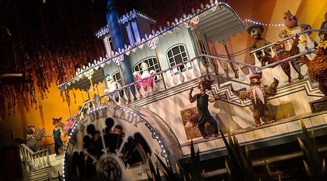Disney World begins loading Guests at full capacity on rides