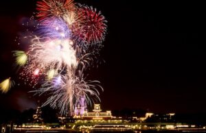Specialty Fireworks Cruises Now Returning to Disney World!