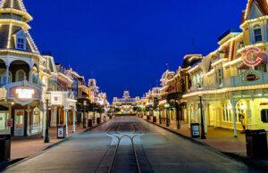 Five ways to get empty park pictures at Walt Disney World