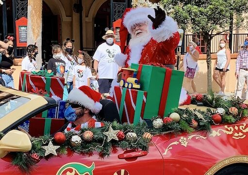 Fan Favorite Hollywood Studios Holiday Show Coming Back This Season!
