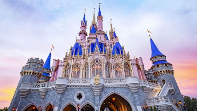 New signs indicate the reopening of another Magic Kingdom restaurant
