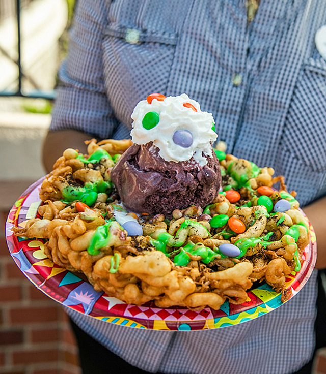 Check-out-the-New-Disney-World-Frightful-Favorite-Halloween-Treats-Guide
