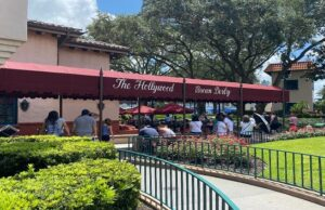 The Hollywood Brown Derby History And Its Famous Dish