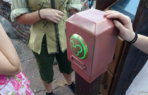 How to Navigate Disney World without a Magic Band