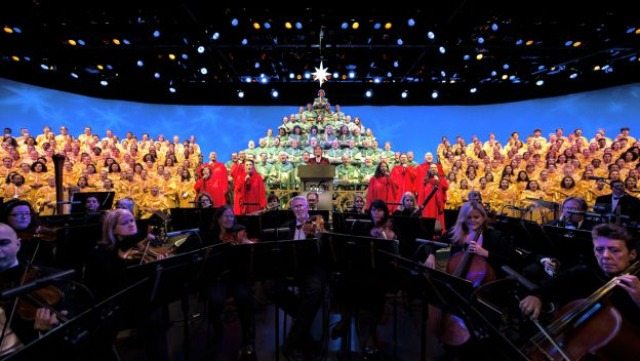 The Candlelight Processional returning to EPCOT this holiday season!