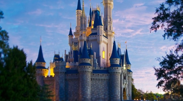 Guest in Magic Kingdom's handicapped lot finds a rude note on their vehicle