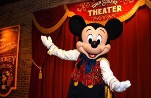 Breaking: Disney World character meet and greets are returning!