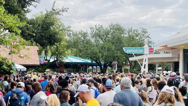 Tighter Restrictions for Early Theme Park Entry at Disney World