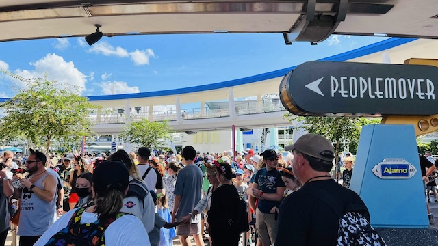 Fall Break and 50th Anniversary Bring Long Waits to the Disney World Resort